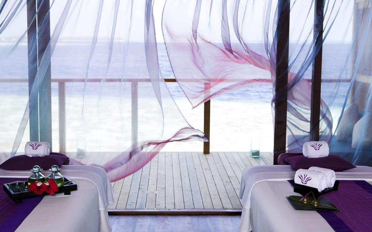 Overwater Spa Vilamendhoo Maldives Resort